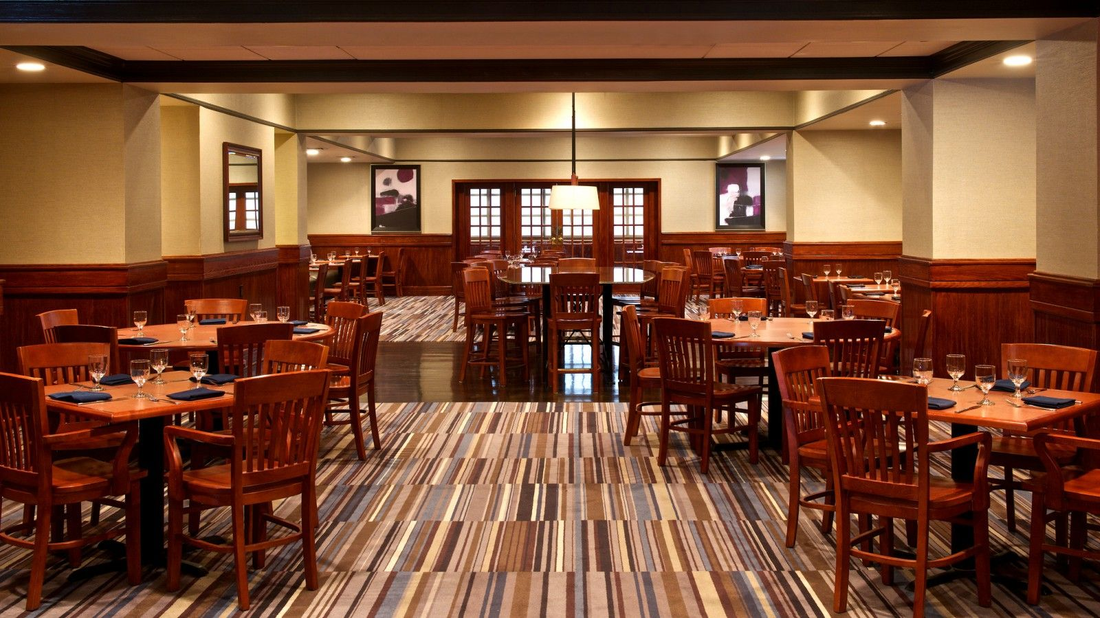 University Grill | Sheraton Bucks County