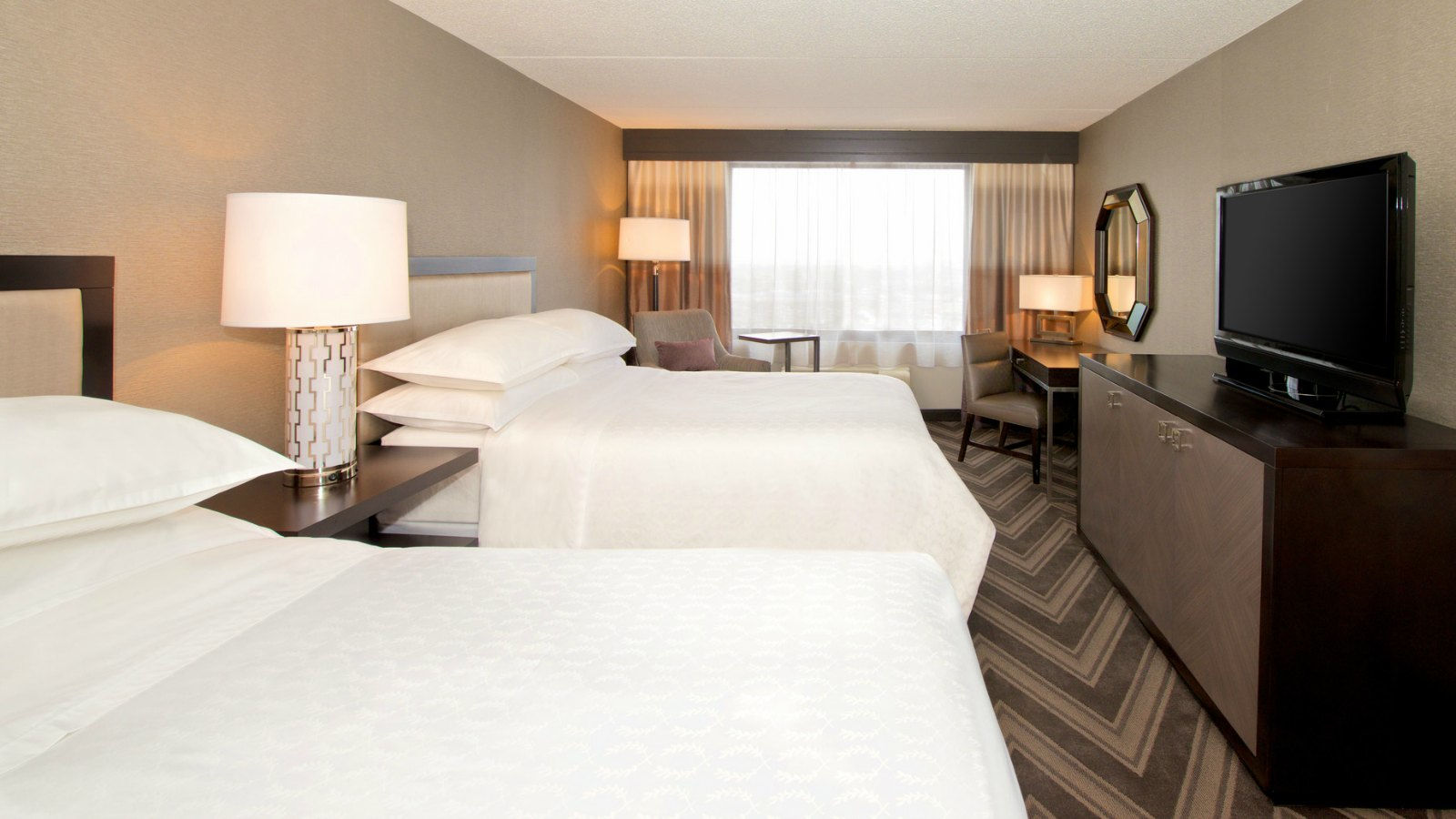 Mitzvahs | Sheraton Bucks County Hotel Guest Room